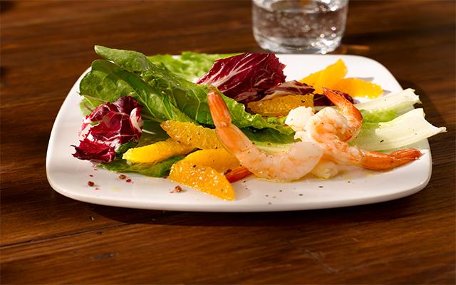 Ensalada de Romanica® y Radicchio con vinagreta de naranja